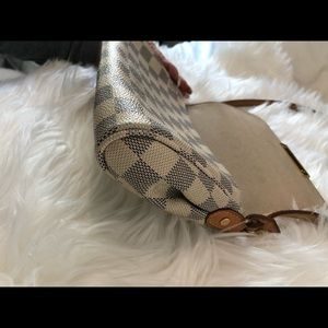 Louis Vuitton Bags - AUTHENTIC Louis Vuitton Favorite PM